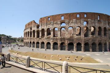 Colosseum; amphitheatre; historic site; landmark; ancient roman architecture
