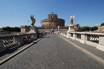 Castel Sant'Angelo; landmark; sky; waterway; bridge