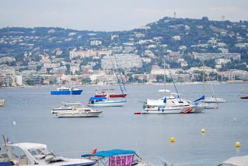 Île Sainte-Marguerite; vehicle; sea; harbor; marina