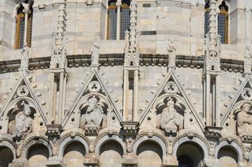 Piazza dei Miracoli; medieval architecture; building; gothic architecture; arch