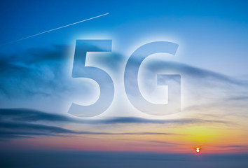 5G icon with city background