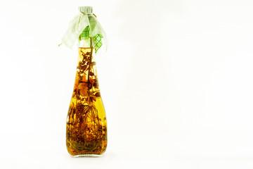 Kräuteressig in Flasche