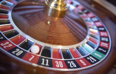 Lucky 7 American Roulette Wheel