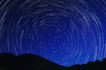 星巡る熊野の山