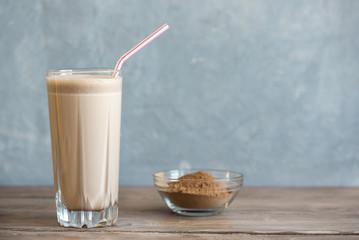 Spoed Foto op Canvas Milkshake Chocolate Protein Shake
