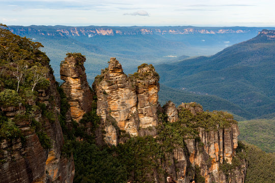 The iconic 3 sisters located in Katoomba, Blue mountains. NSW
