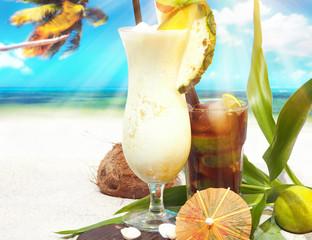 Pina Colada mit Cuba Libre am Strand