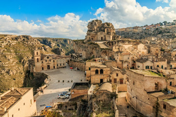 Italy, Southern Italy, Region of Basilicata, Province of Matera, Matera. The town lies in a small canyon carved out by the Gravina. Overview of town.