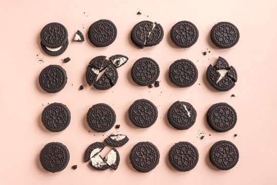 Oreo (chocolate and cream) cookies
