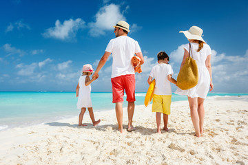 Wall Mural - Family beach vacation