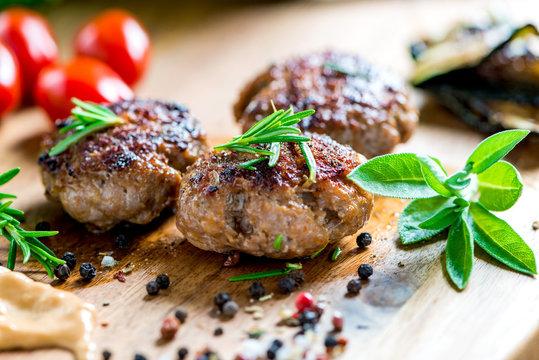 Barbecue - Grillen - Fleisch - Catering - Buffet