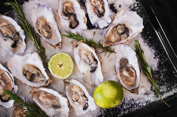 Oyster with lime