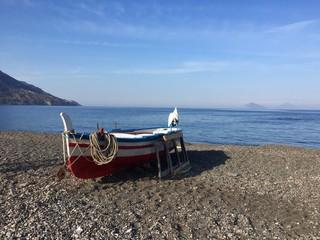 Barca sulla spiaggia