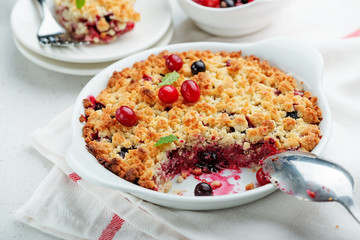 Crumble with fresh berries.