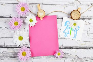 Kwiaty na dzień matki i pusta kartka na życzenia