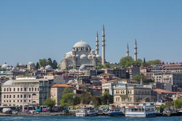 Moschee am Ufer. Bosporus, Istanbul