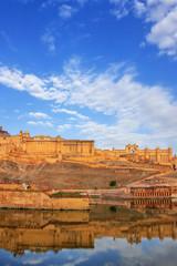 Foto auf Leinwand Befestigung Amber Fort reflected in Maota Lake near Jaipur, Rajasthan, India.