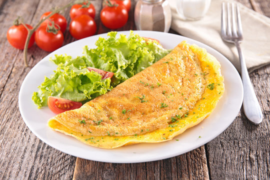 omelet and salad