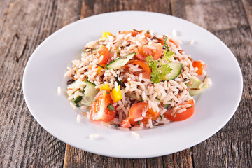 rice salad with tomato and cucumber