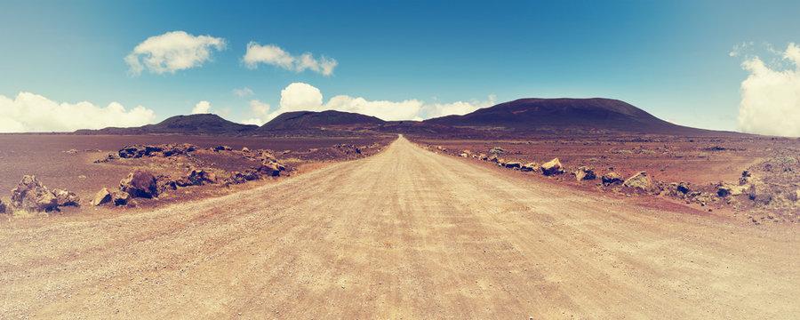 """""""la plaine des sables """" : on the road leading to the""""piton de la fournaise"""" volcano on réunion island, indian ocean."""
