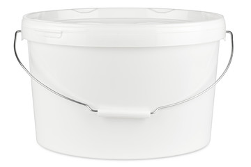 new white paint bucket isolated on white background / Farbeimer neu isoliert auf hintergrund weiß
