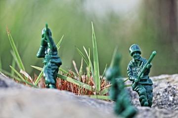 射撃する兵隊(おもちゃの兵隊)