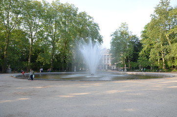 Spoed Fotobehang Fontaine Fontaine du Parc de Bruxelles royal Warandepark