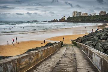 Promenade le long de la Côte des Basques.