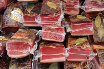 tranci di carne di maiale sottovuoto