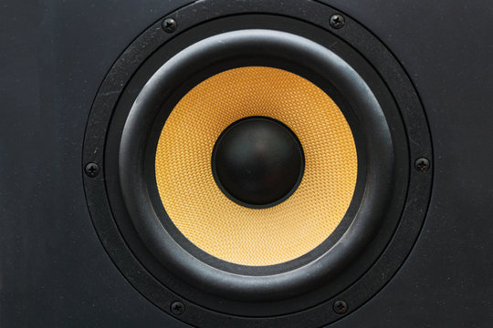 Speaker loudspeaker with yellow diffuser