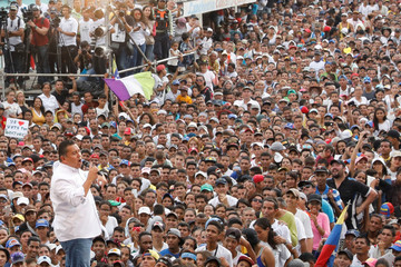 "Venezuelan presidential candidate Javier Bertucci of the ""Esperanza por el Cambio"" party, delivers a speech to supporters during his closing campaign rally in Valencia"