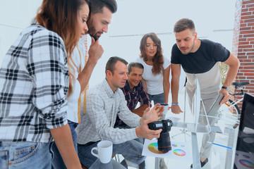 photo editors discussing new ideas