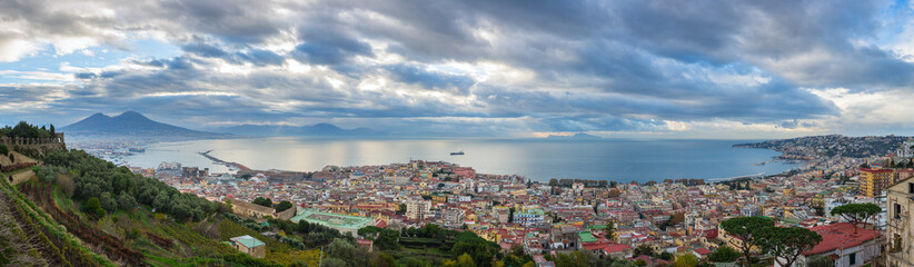Garden Poster Napels Panorama of Naples, view of the Gulf of Naples and Mount Vesuvius, province of Campania, Italy.