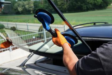 Frontscheibe Tauschen bei Auto