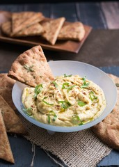 Hummus with flatbread crisps