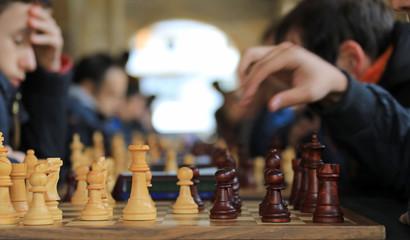 ajedrez jugadores competición tablero 4M0A27870-f18