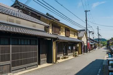 兵庫県、因幡街道・平福の宿、焼杉板壁
