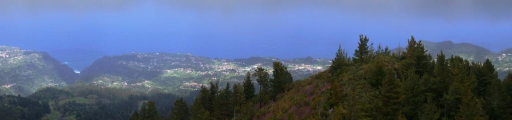 Photo panoramique du Pico do tanoeiro à Madère. Portugal