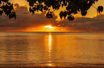 南国ビーチのサンセット グアム