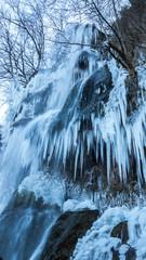 Eis Wasserfall gefroren Eiszapfen eingeist