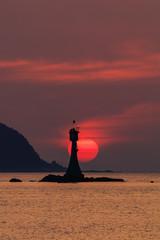 灯台と夕日