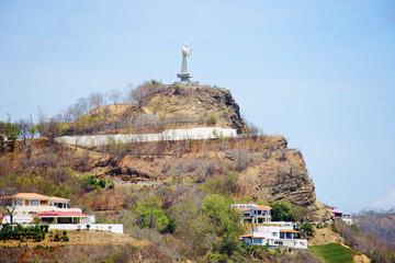 Сан-Хуан-дель-Сур, Никарагуа, Статуя Иисуса Христа на горе в порту.