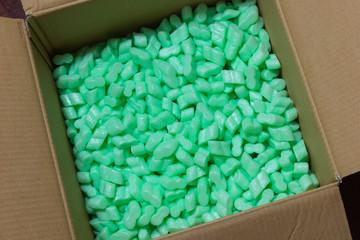 Karton mit Füllmaterial / Verpackungsmaterial für einen sicheren Transport