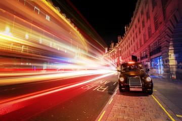 Speed of light in London City  Fotomurales