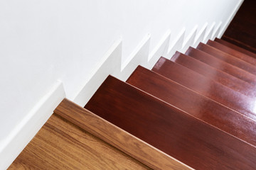 Keuken foto achterwand Trappen Hardwood stair steps and white wall, interior stairs material and home design