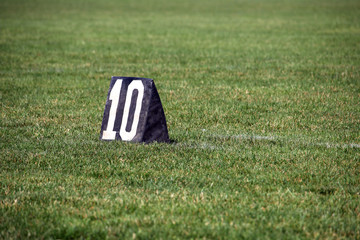 American football 10 yard line number marker