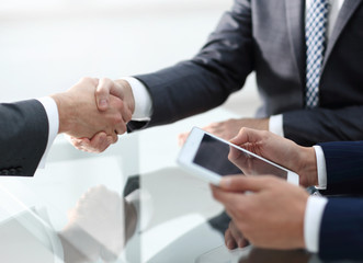 handshake of proven partners