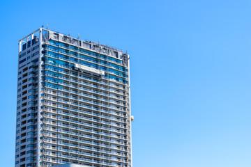 隅田川沿いの高層マンション High-rise condominium