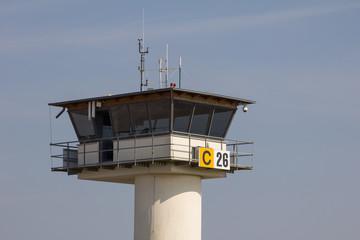 Tower auf Flugplatz