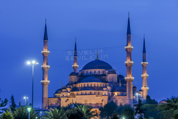 Istanbul, Turkey, 7 October 2006: The Sultan Ahmed Mosque is an Ottoman mosque in the Fatih district of Istanbul.